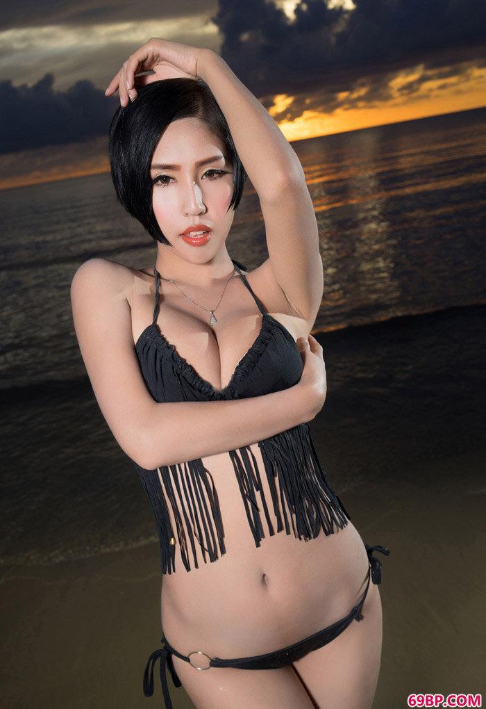 人体艺术模特娜依灵儿女巫装玩美丽_gogo人体国模新版摄影