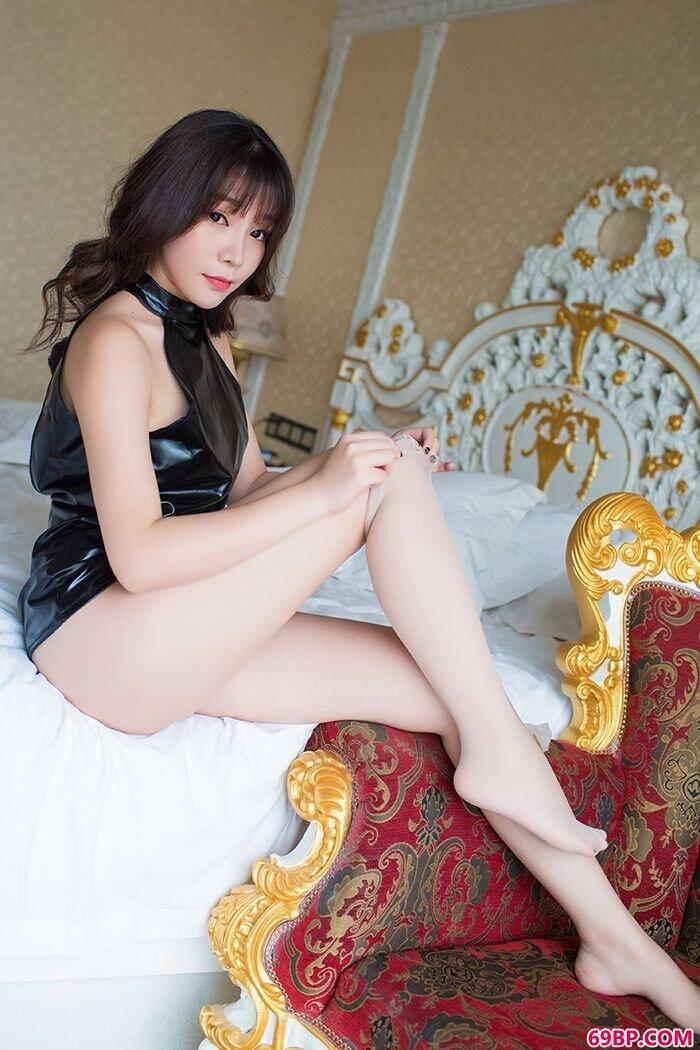 少女芝芝丝袜连裤袜美腿诱惑爱不释手_中国西西大胆女人裸体艺术