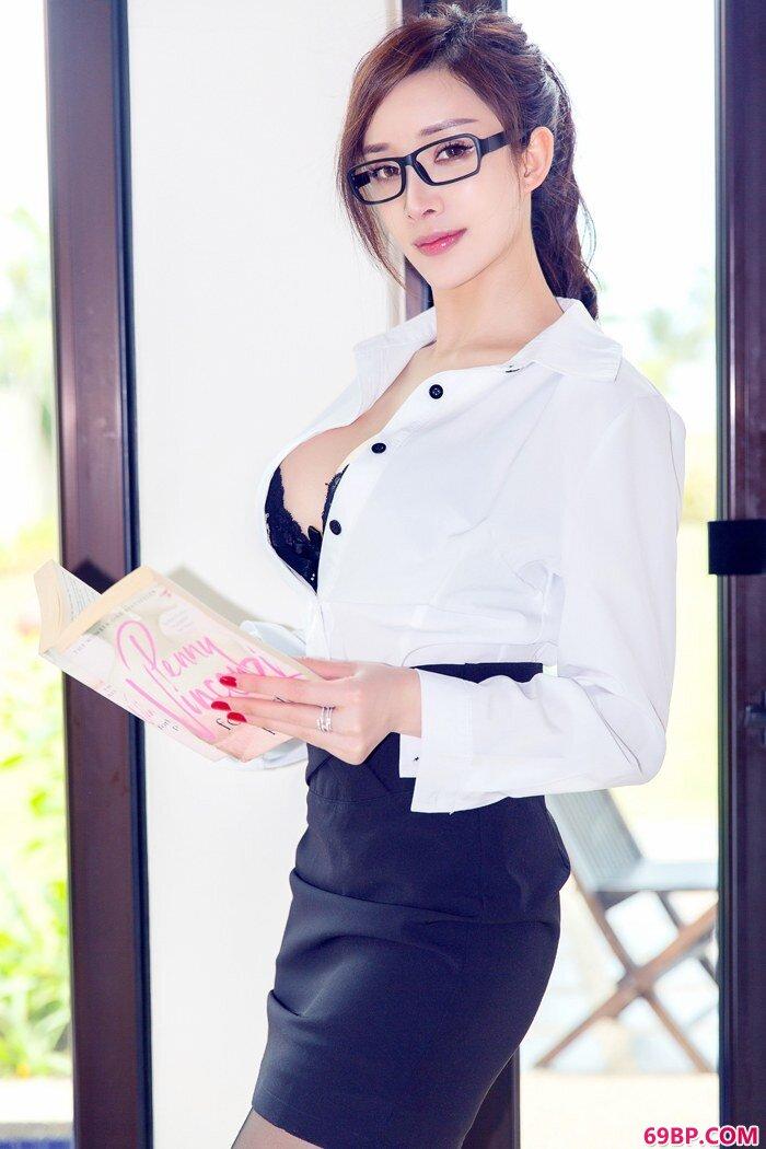 丝袜家教火爆爆乳美丽短裙如何抵挡_陈友熙