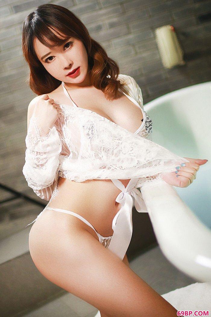 绝品御姐蜜桃妹儿爆乳丰臀秀色可餐_最美女人人体艺术图片