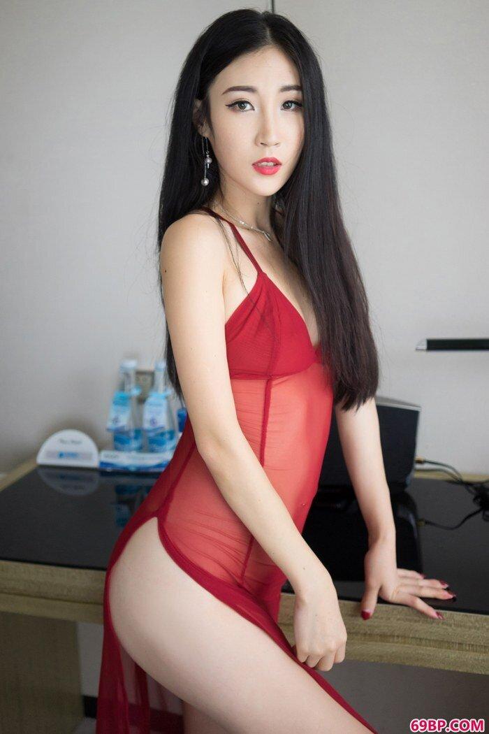 妖娆女神智秀搔首弄姿难耐寂寞闺房_红色丝袜