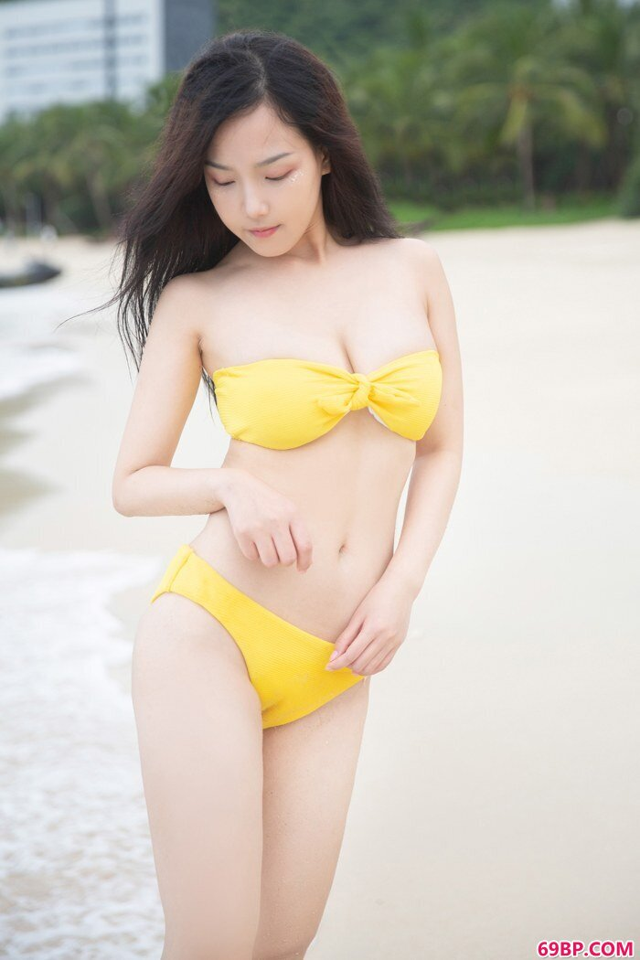 清纯妹子徐微微湿身诱惑十分吸眼球_印度人交�`女9