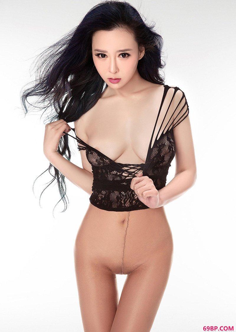美腿裸模第673期爱丝风骚腿模索菲亚_初音实gogo人体艺术