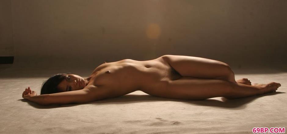 欧洲熟妇色XXXXX_美模小君室拍美丽人体1