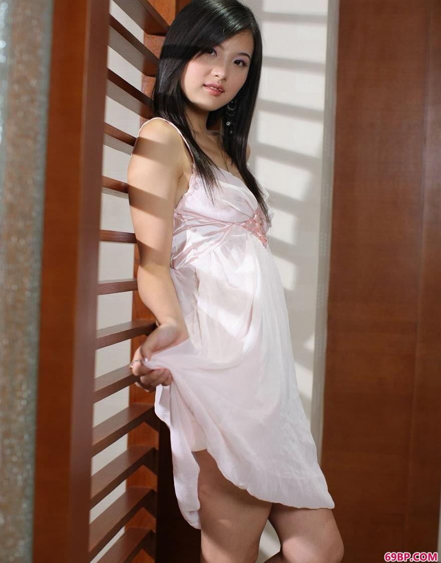 名模湘湘室内娇艳人体