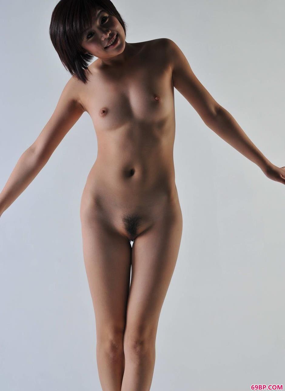 国模薛婧_妹子菲林写真棚里的娇嫩人体1