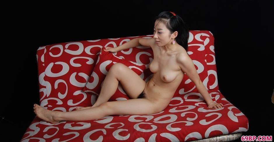 方子萱图片_bobo舒芘花色沙发上的豪放人体