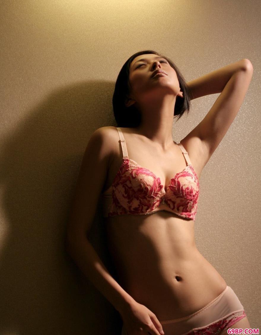 裸模研研悠闲惬意的生活3