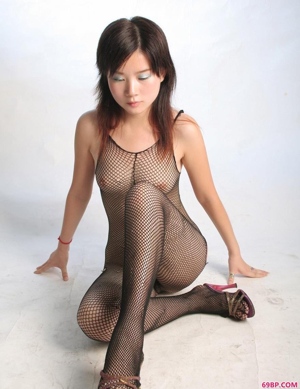 嘉怡影室拍摄连身网衣2_日本巨乳美女