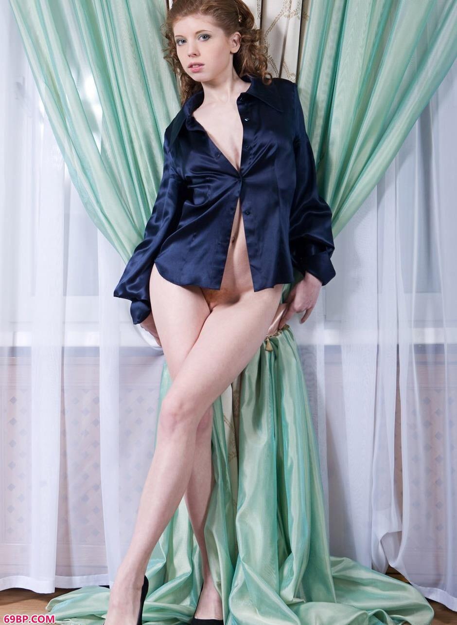 安柔_裸模Eleanor窗帘前的抚媚人体1