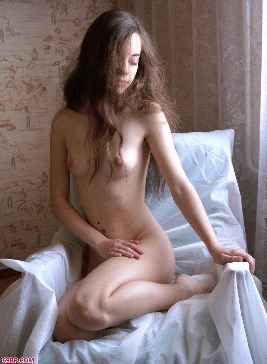 外国美嫩模人体艺术写真4