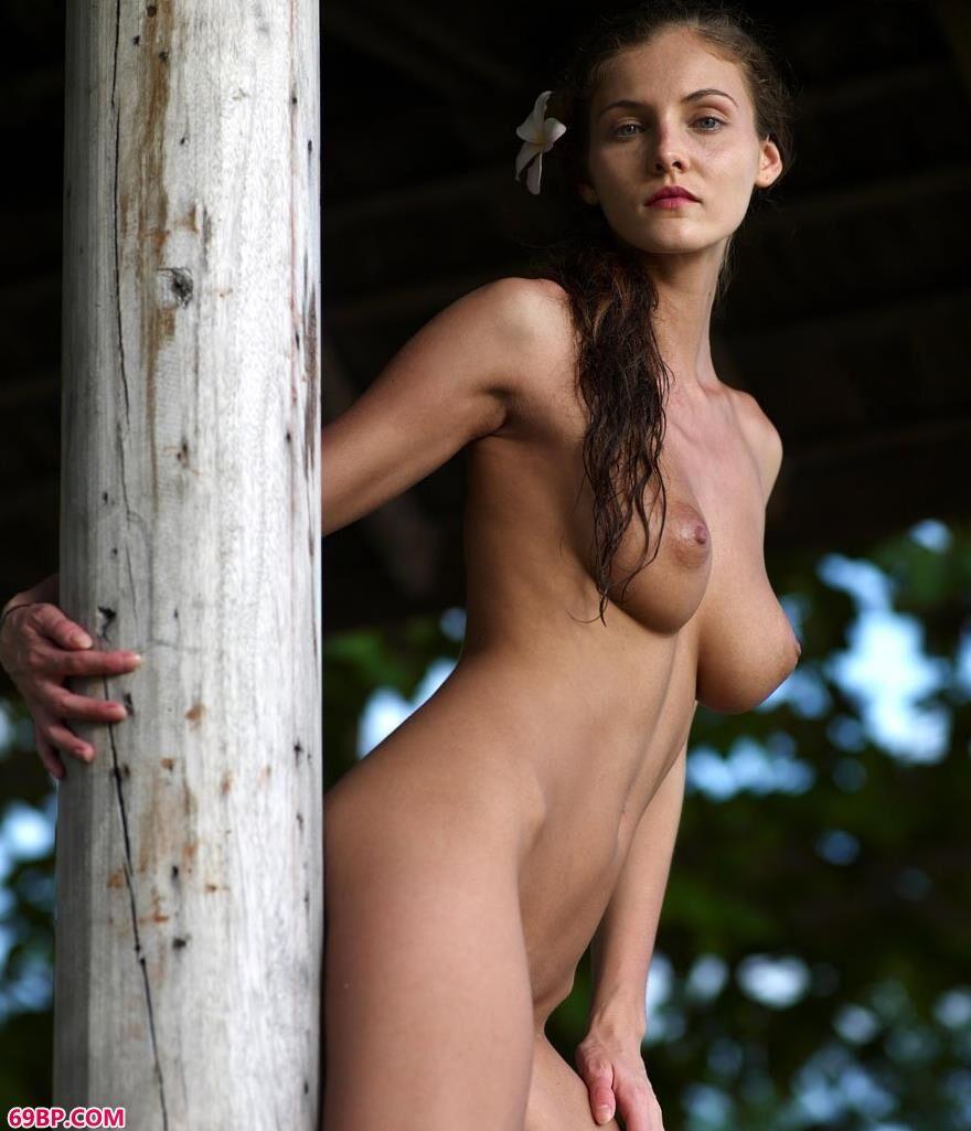 美模琳达日落下的人体2