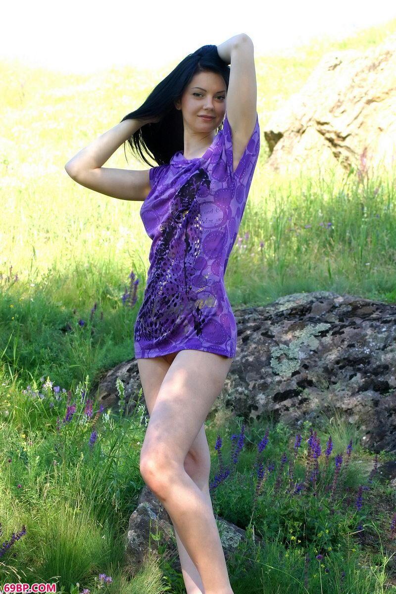 美模可利依娃给你春天感觉,美女大胆人体艺术照